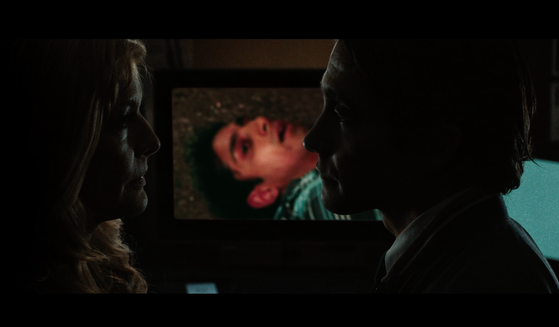 The Framing of a Frame in Nightcrawler - Lets all go to the lobby!